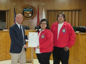 Tennessee College of Applied Technology – McMinnville receiving a SkillsUSA week proclamations from McMinnville Mayor Jimmy Haley.